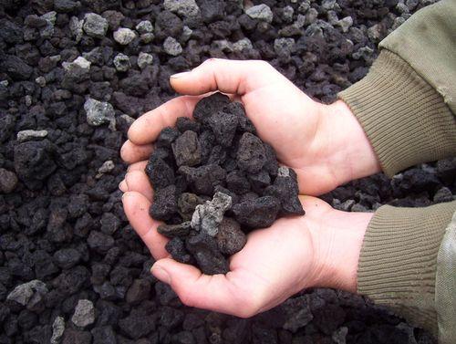 Black Lava Rock Black Rock Landscaping Landscaping With Rocks Rock Mulch
