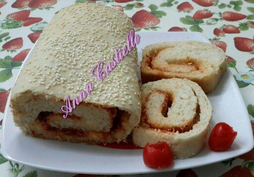 Pane in cassetta ripieno di stracchino e pomodoro