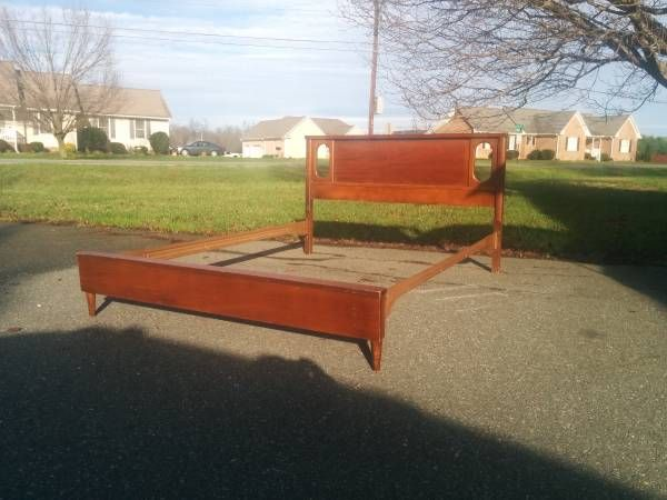 Mid Century full-size bed frame - $150 | Full size bed ...