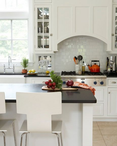 Clean And Simple Range Hood
