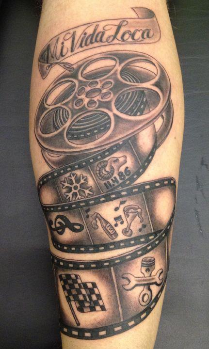 Film Reel Tattoo : tattoo, #tattoo, #movietattoo, #filmtattoo, #filmstrip, #filmstriptattoo, #moviereel, #reel, Insert, Horror, Icon's, Weapon, Camera, Tattoos,, Movie, Tattoo,, Tattoos