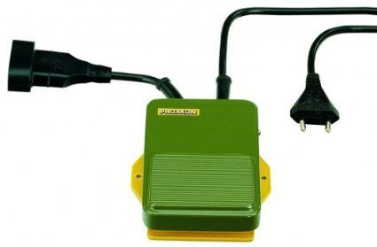 Proxxon 28700 pour tous les appareils à fiche européenne (classe II). Convient également aux appareils de table.250 cm de câble pour le branchement au réseau 230 V et 50 cm de câble en sortie. Pour les appareils 12 V, le transfo pourra être commandé par l'interrupteur au pied. Pas de variateur - 24 euros