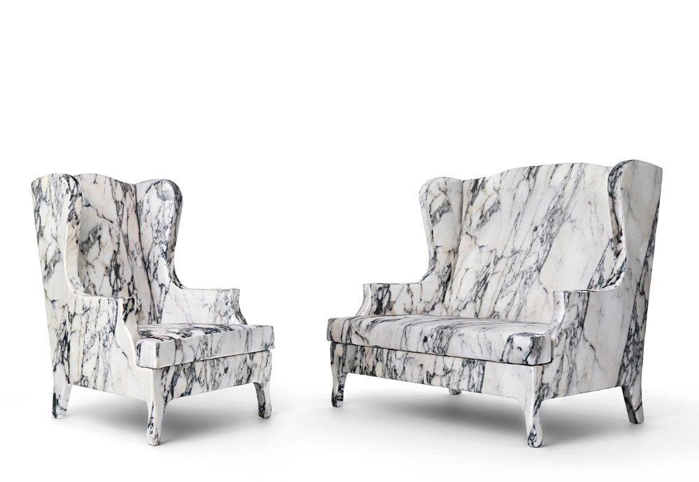 « Louis XV goes to Sparta » est un ensemble composé d'un fauteuil et d'un canapé conçu par Tal Lancman & Maurizio Galante pour Cerruti Baleri. Vu de loin, on jurerait que l'ensemble est gravé dans le marbre. C'est évidemment une illusion, la collection réalisée en bois est recouverte de housses en tissu imprimé numériquement à partir de photographies du célèbre marbre de Carrare.