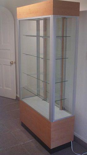 Vitrinas para tiendas vitrinas de comercio vitrinas para - Vitrinas empotradas en pared ...