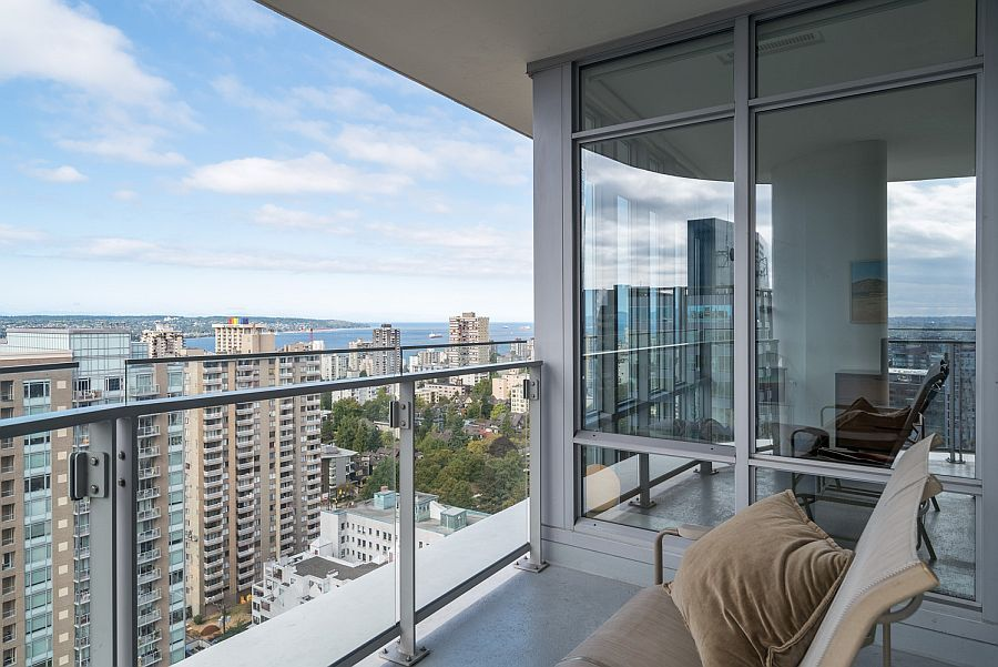 Luxury Apartment In Vancouver, Canada.