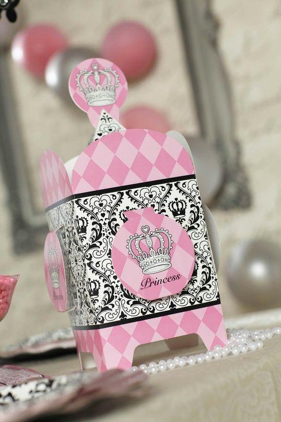 Nia S Bday Decor Elegant Princess Damask Birthday Party Pack Birthdayexpress