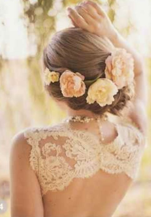 I am definitely having flowers in my hair when I get married. It's just so pretty!!