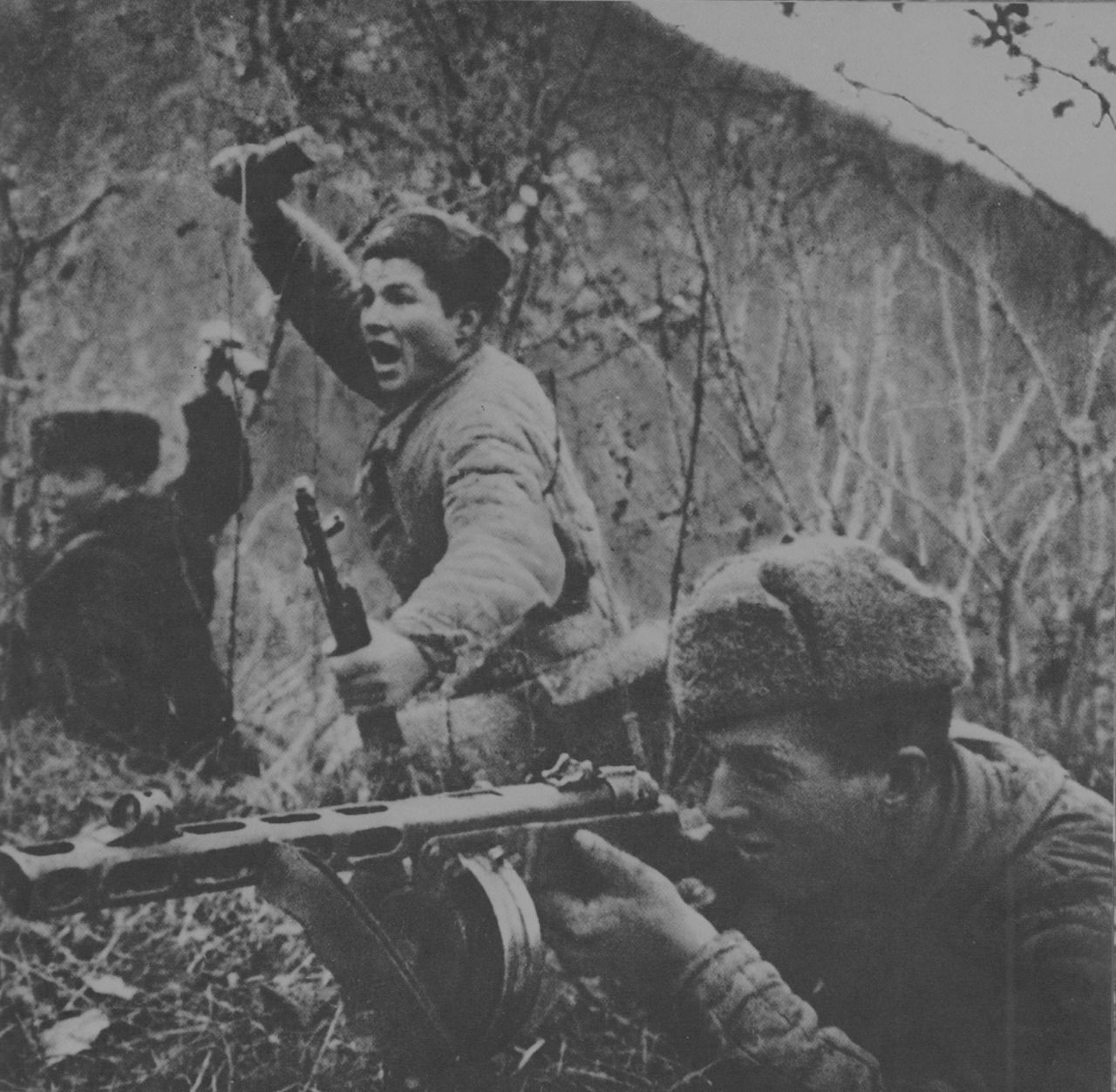 Soviet soldiers of the 83rd Marine Brigade engage in combat with enemy intelligence forces in the Caucasus, 1942. [x]