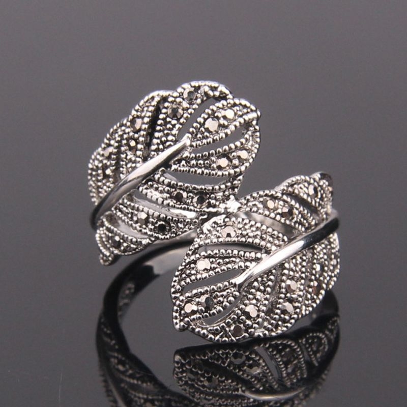 Size 7 9 Fashion Jewelry Retro 18K White Gold Plated Black Rhinestones Feather Rings For Women-in Rings from Jewelry on Aliexpress.com | Alibaba Group