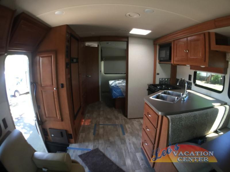 New 2018 Winnebago Vista 27pe Motor Home Class A At Leo S Vacation