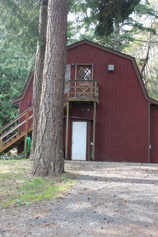 Vashon island vacation rental vrbo 428517 1 br puget for Barn with loft apartment