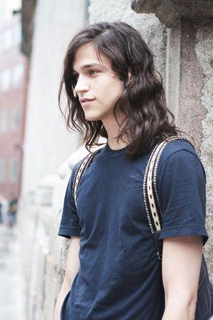 世界のイケメン 不思議な魅力を放つ長髪美男子まとめ 長髪の男性