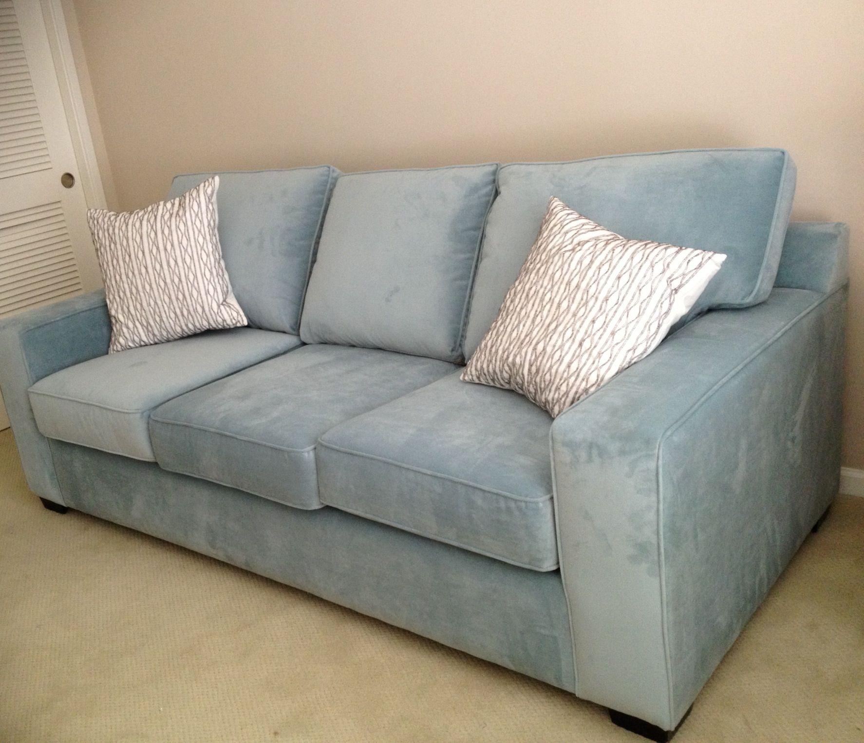 Best Jennifer Sofa In Bella Skylight  Customsofas Couch 400 x 300