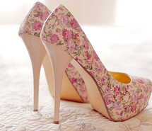 Inspiring image floral, high heels, shoes #1324015 by korshun - Resolution 500x295px - Find the image to your taste