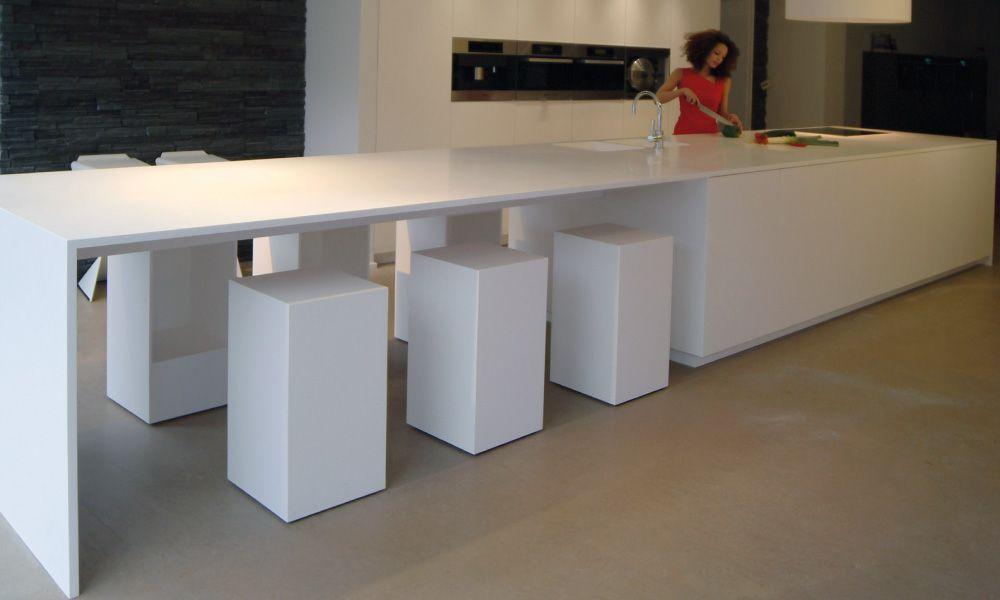 Gf concepts uw interieurspecialist keukeneiland en tafel lopen naadloos in mekaar over - Tafel design keuken ...