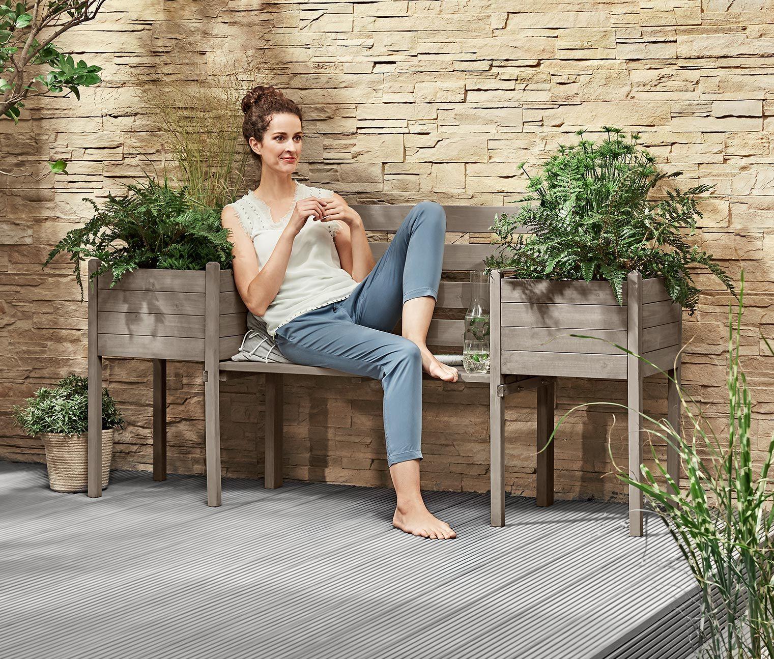Zahradna Lavica S Kvetinacmi 336666 Z E Shopu Tchibo Sk Tchibo House Design Backyard