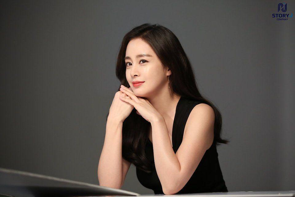 Kim Tae Hee Glows With Beauty In Commercial Shoot Photos Koogle Tv Kim Tae Hee Beauty Kim