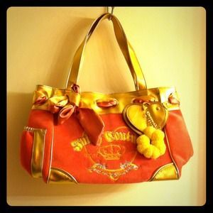 Juicy Couture Handbags - 💜Pink and Gold Juicy Couture bag