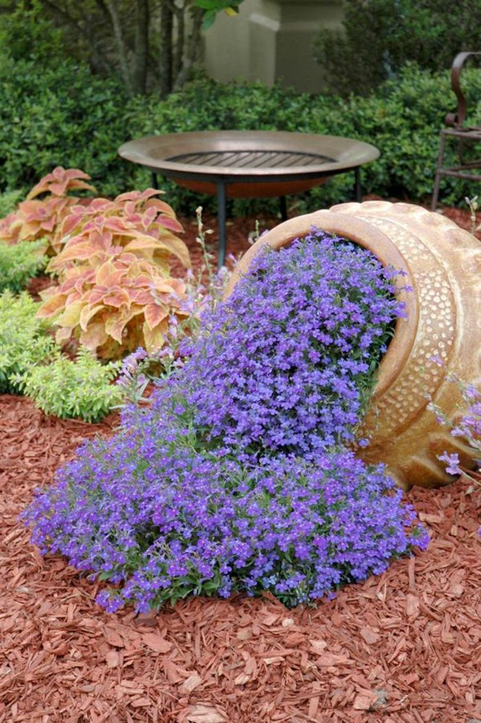 Vasi di fiori 30 idee originali per illuminare il tuo for Idea per giardino