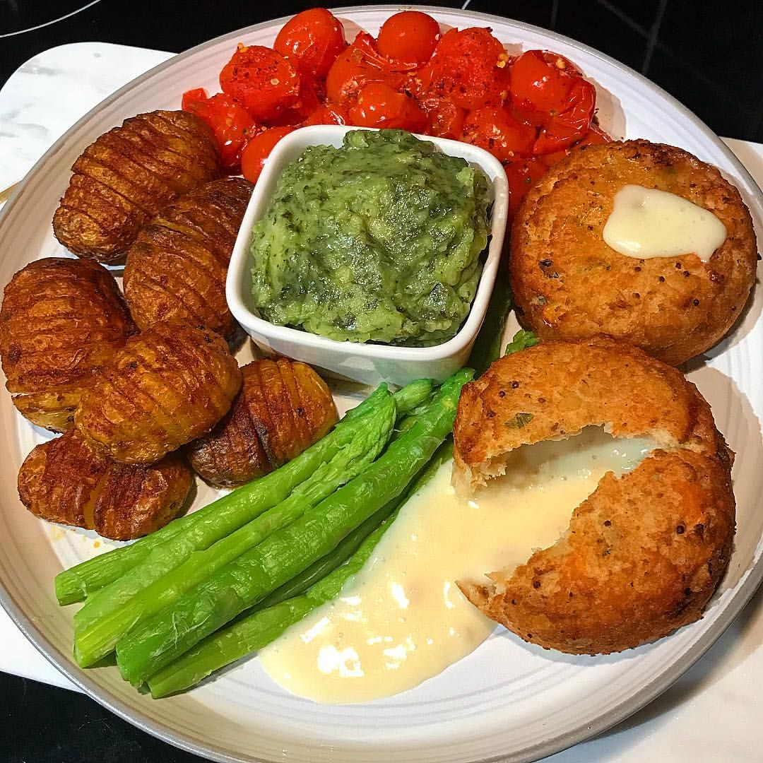 Tea Time Morrisons Melt In The Middle Fishcakes 2 Syns Each Bombay Hassleback Potatoes Using Spicentice Potato Spice Minty Mushy Peas