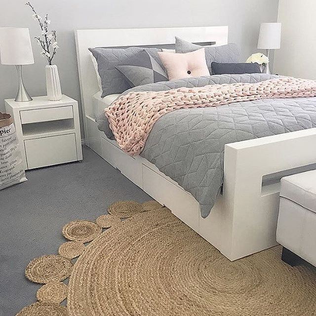 Gorgeous Gray And White Bedrooms: Beautiful Color Scheme Of Pastel Pink, White And Gray