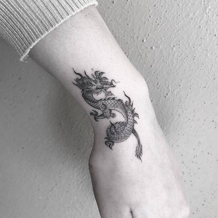 Einzelnadel-Drache beim West Texas Tattoo #beim #EinzelnadelDrache #Ta