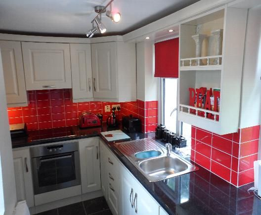 Red Tiles For Kitchen Solid Kitchens Oak Ash Chestnut Cherry Mahogany Beech Maple