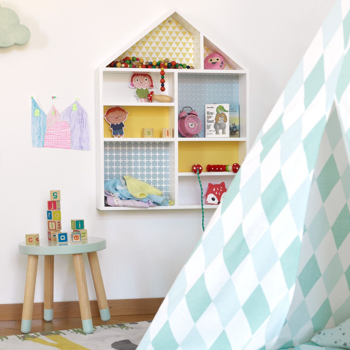Micasa Kinderzimmer mit Wandregal TOLO & Kinderhocker FLEXA PLAY ...