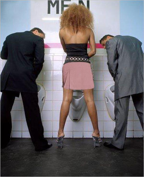 Donne in bagno | Eventi,Stranezze e Curiosità | Pinterest