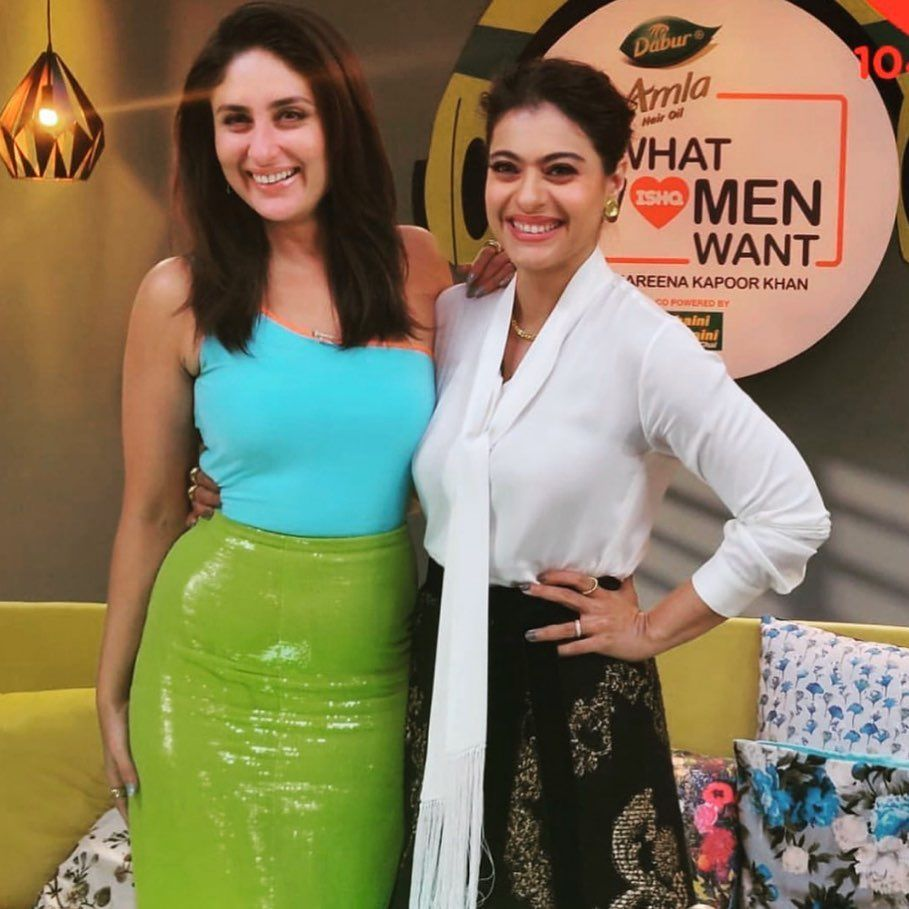 Kajol Comes Together With Kareena Kapoor For A Chat Show And Brings Back Sweet Memories With This Reunion Hungryboo Kareena Kapoor Beautiful Women Naturally Bollywood Actress