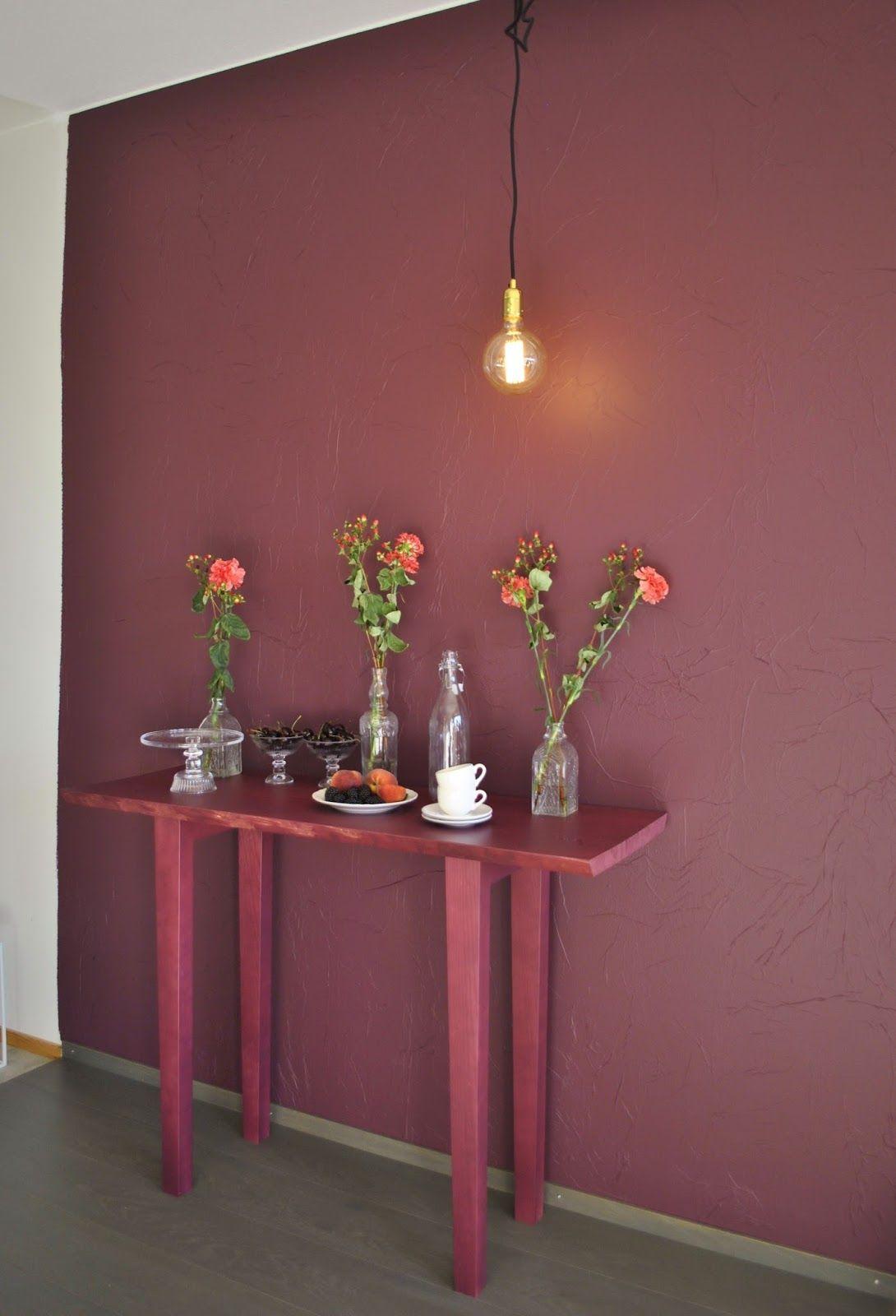 Viininpunainen seinä Tikkurila Lähiöfestivaali - Väritrendeistä   About Colour Trends; Burgundy