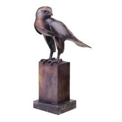 In the tradition of medieval European falconry, these noble birds were trained and used in the ancient sport of hunting wild game. This pastime of European aristocracy has long been immortalized in manuscript, tapestry and sculpture. Design Toscano offers you this exclusive museum quality gallery bronze Falcon statue, perfect for fine homes. This work of art is skillfully cast from a French antique sculpture in the centuries-old lost wax method, and it is mounted on a black marble base. A…