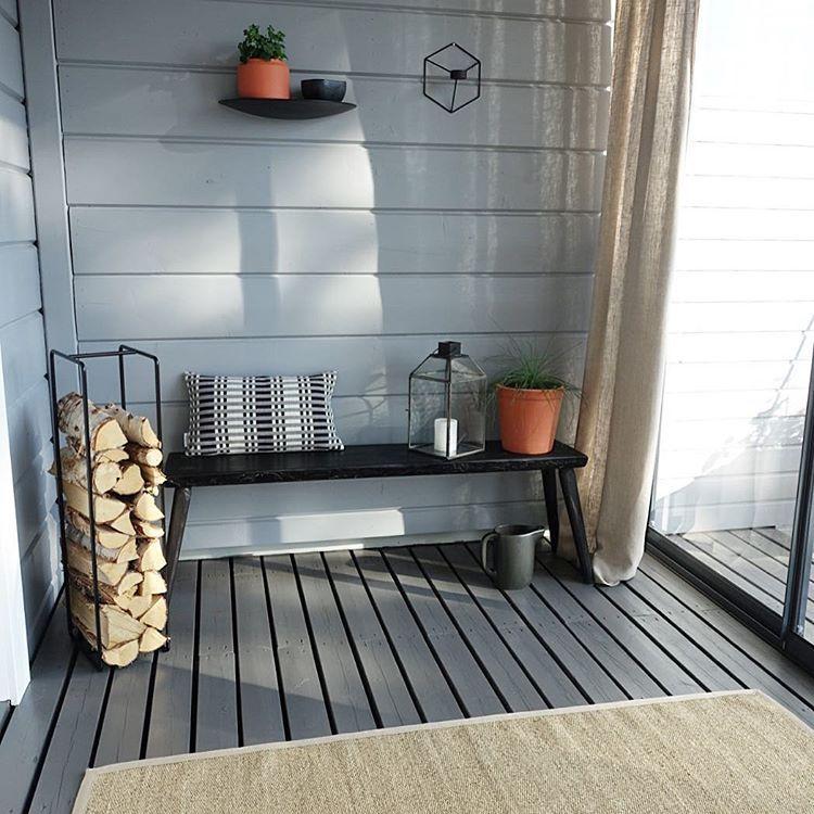Sateisen päivän ilta   #kuistilla#kuisti#glassveranda#veranda#koti#home#hem#hjem#vanhanajanpenkki#scandinavianhome#scandi#ssevjen#nordicliving#nordichome#finahem#interior123#interiormagasinet##interior4all#casachicks1#naturalmaterials#linen#sisal#nordicinspiration#nordicstyle