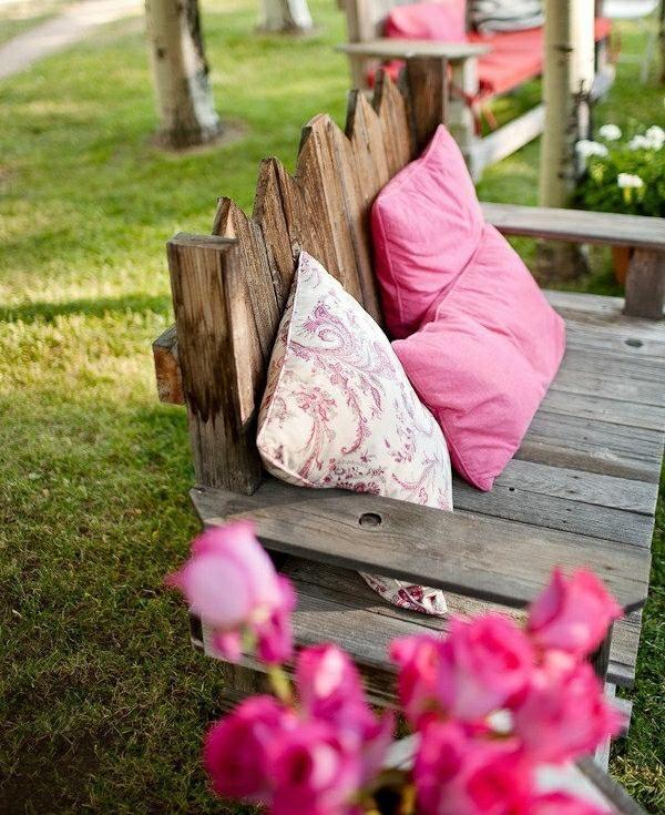 romantische Schaukel Europaletten Möbel Holz ähnliche tolle Projekte und Ideen wie im Bild vorgestellt findest du auch in unserem Magazin