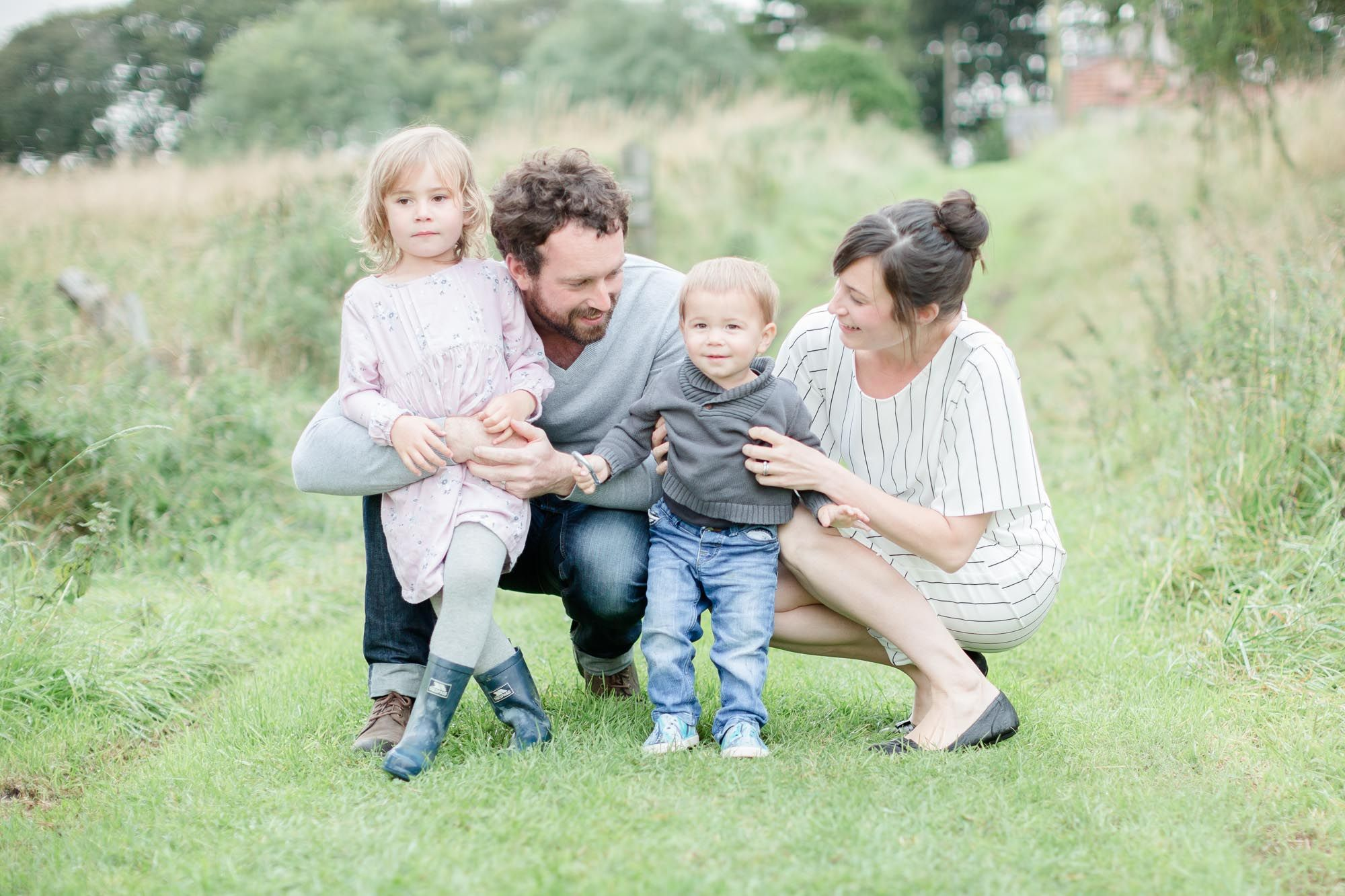 Family in Aberdeen, Scotland // Pink, grey, and white family colour ...