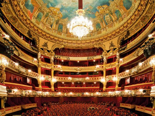 8 Of The Most Beautiful Opera Houses In The World Royal Opera House London Opera House Theatre Interior