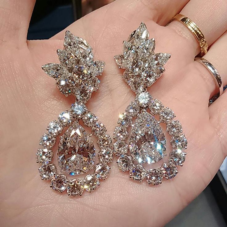 When A D If Comes To Pair Of Van Cleef Arpels It S Schless Diamond Earringsdangle