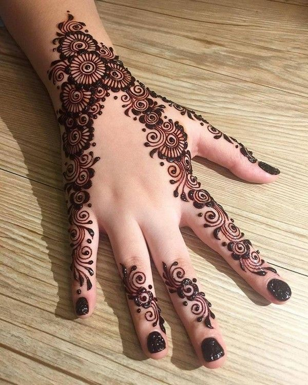 Download Latest Engagement Mehndi Designs Images 2018 In Pakistan