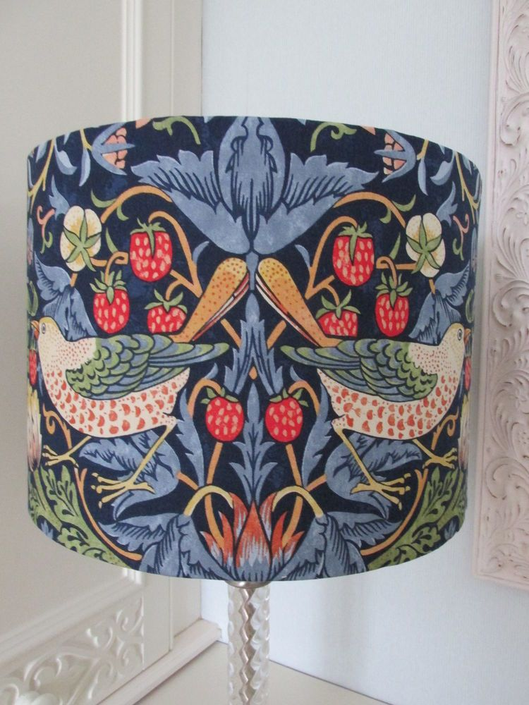 HANDMADE LAMPSHADE MADE WITH WILLIAM MORRIS PIMPERNEL GREEN LIGHT SHADE LAMP
