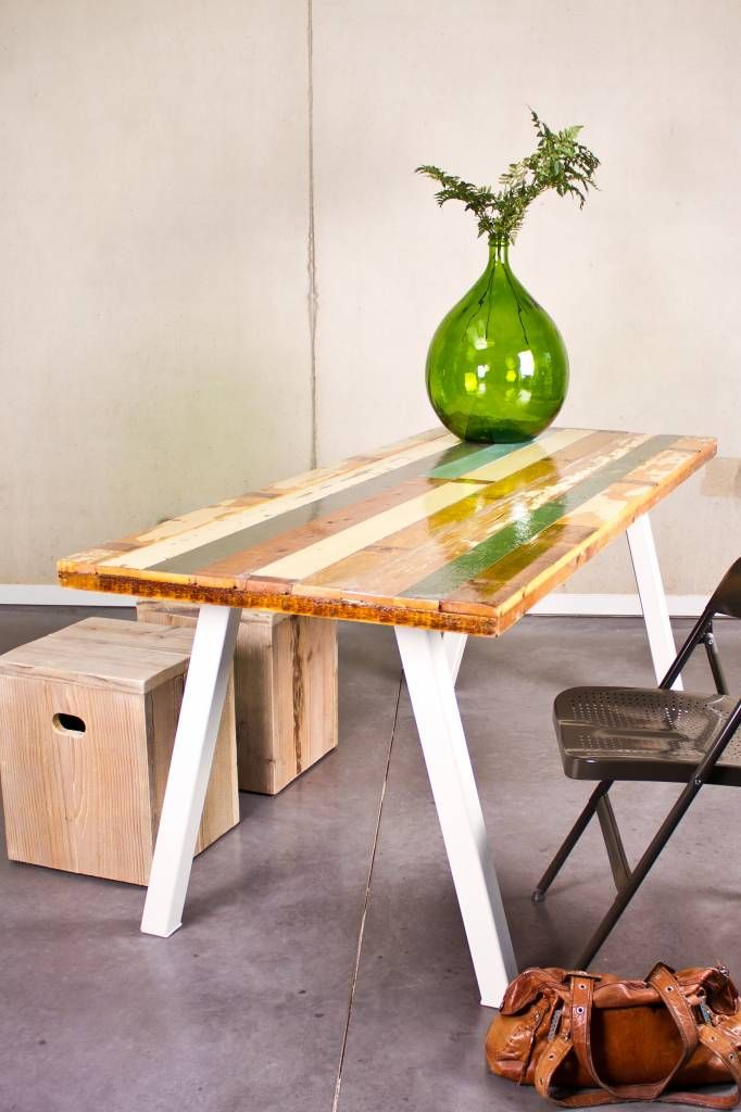 PURE wood design PURE tafel gekleurd sloophout/stalen poot