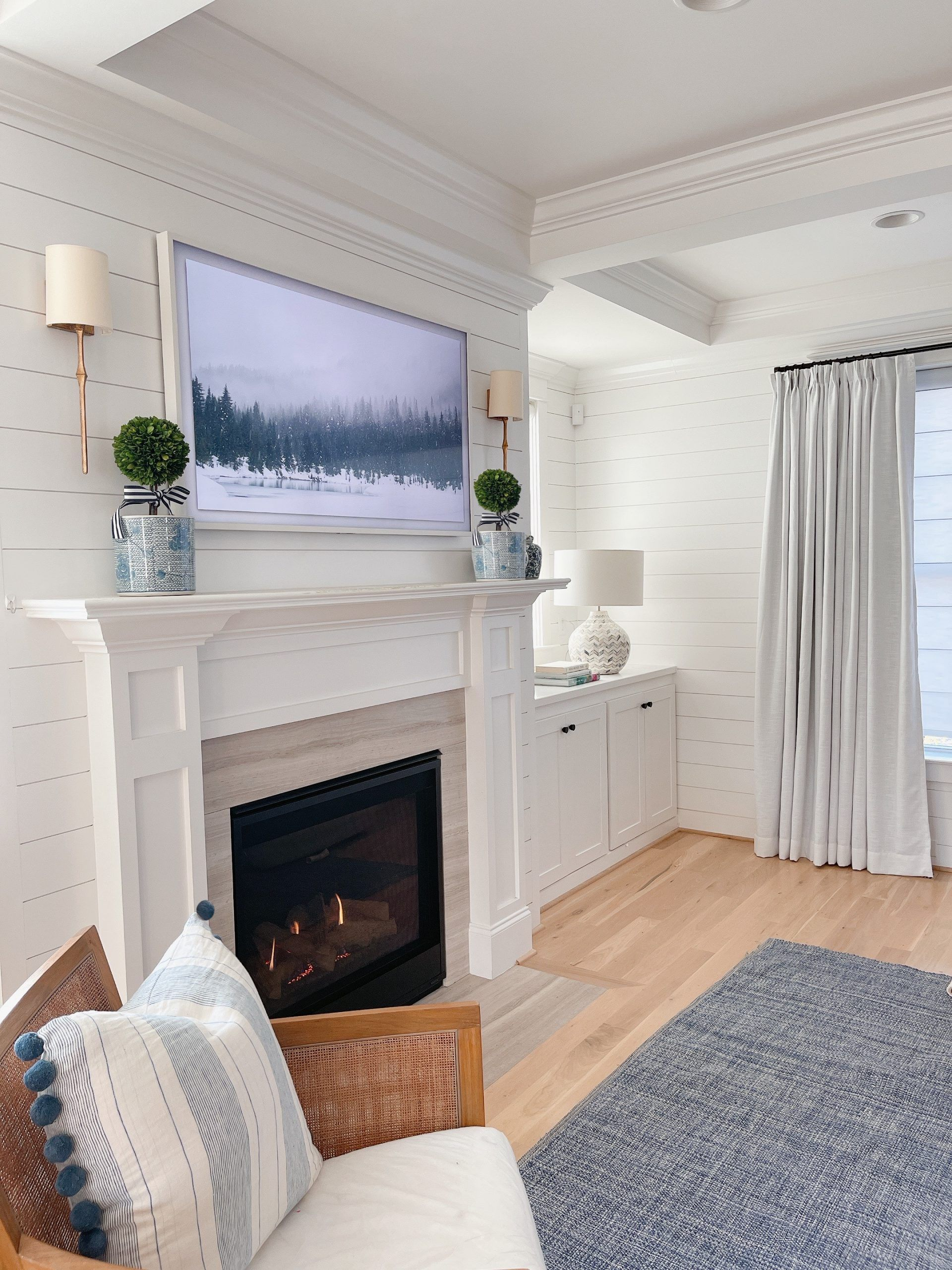 Mantel Decor With A Tv 6 Ways To Pull It Off In 2021 White Home Decor Fireplace Mantle Decor Living Room White