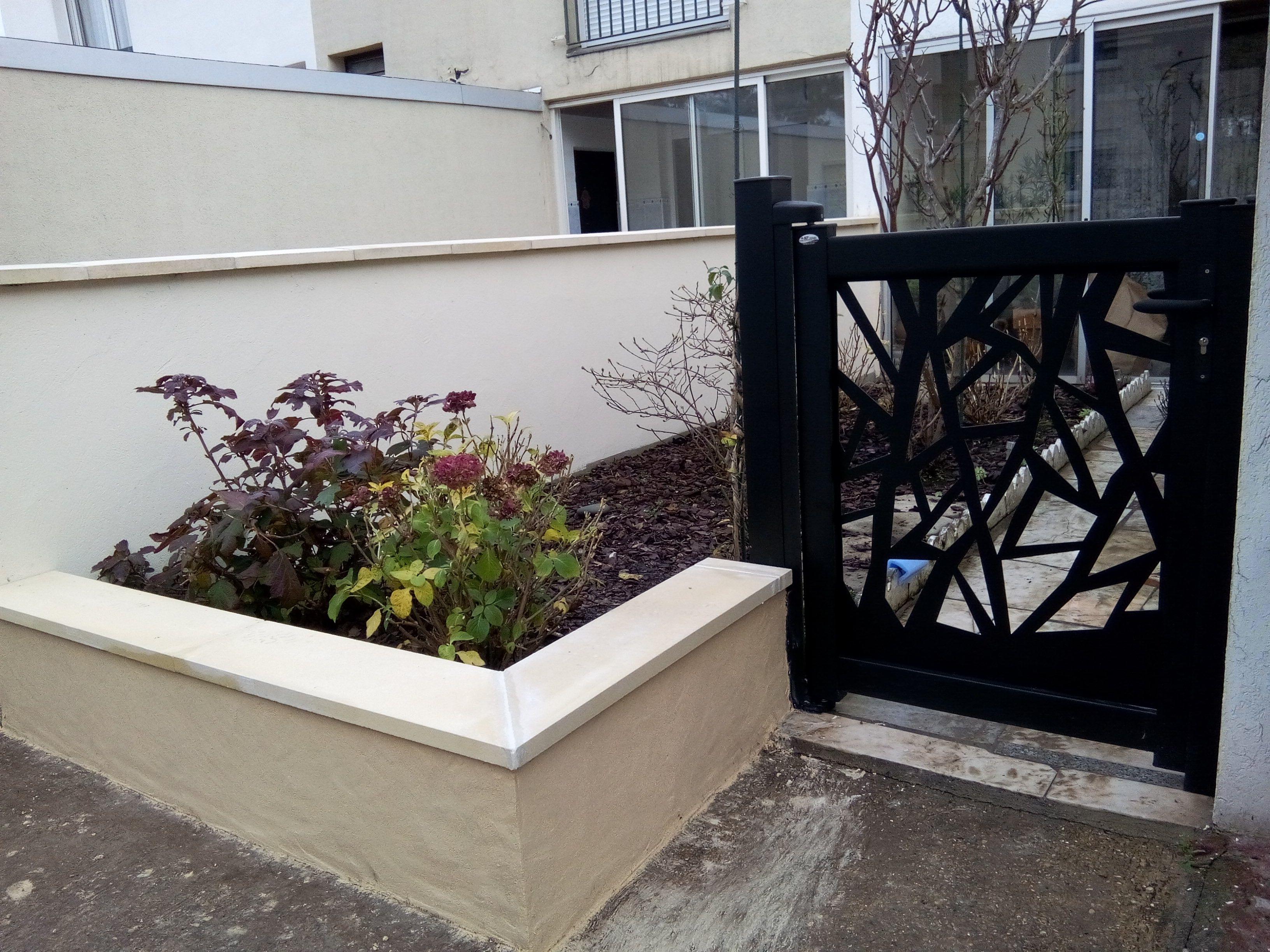 Portillon en aluminium avec t le d coup e au laser mod le broc liande portillon in 2019 - Portillon jardin ...