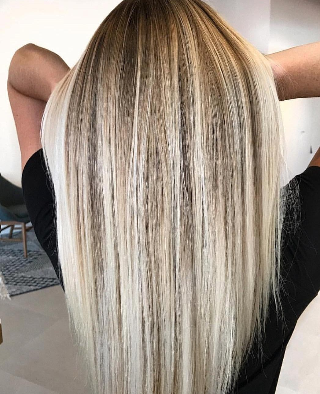 Pin By Cheryl Angulo On Makeup Hair Blonde Hair With Roots Black Roots Blonde Hair Balayage Hair