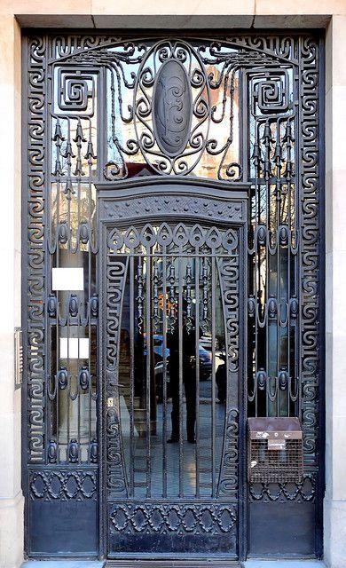 Barcelona - Gran Via 464 f   by Arnim Schulz, via Flickr