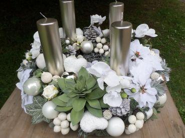 adventskranz wei silber advent wreaths and decor pinterest adventskranz wei silber und. Black Bedroom Furniture Sets. Home Design Ideas