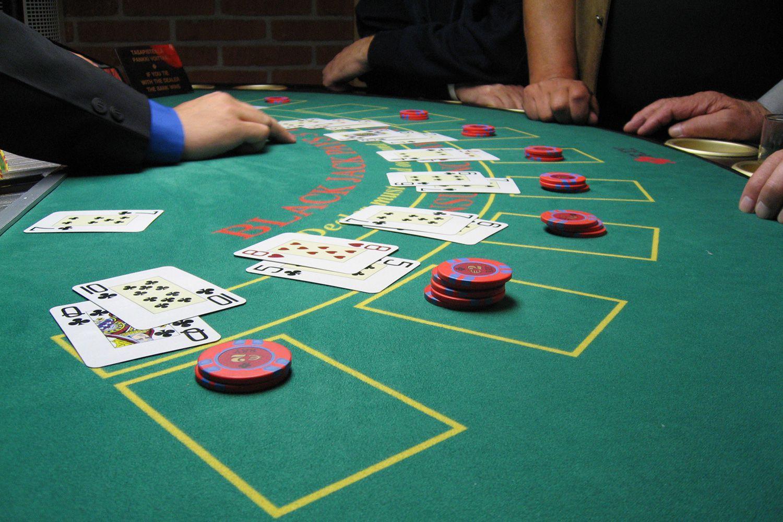 Holdem poker igre