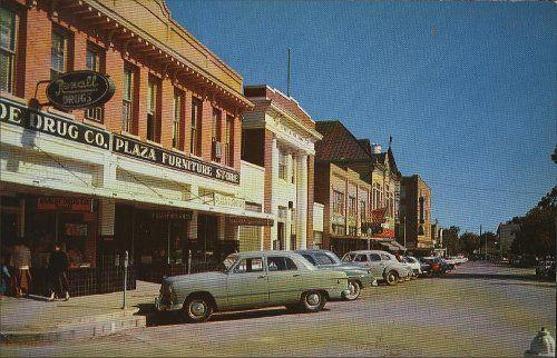 Street1950s Jpg 500 322 Uvalde Uvalde Texas Opera House