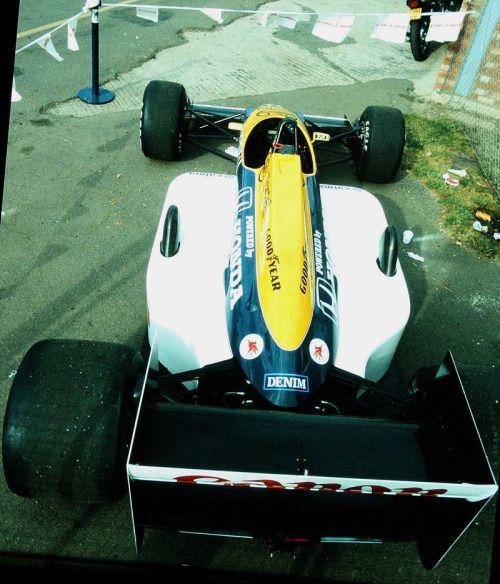 Williams FW11B - Honda RA167-E 1,494 cc (91.2 cu in), 60° V6, turbo (4.0 bar limited), mid-engine, longitudinally mounted.  1987 British Grand Prix, Silverstone Circuit