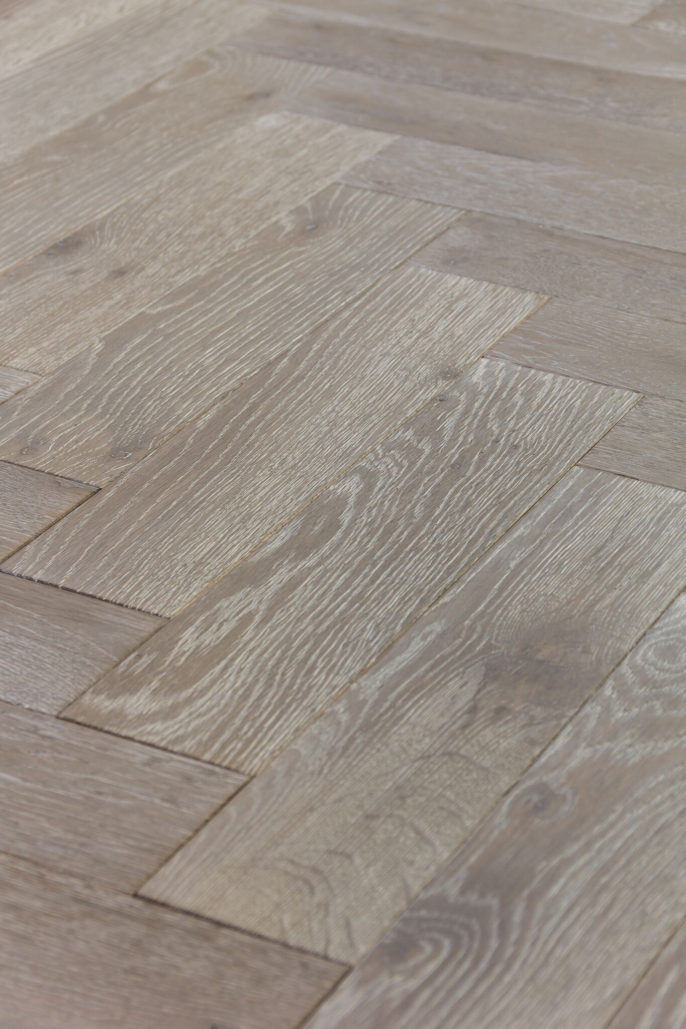 Mwf 658 Sea Mist Rustic Oak Engineered Wood Floor With Herringbone Design Micro Bevelled Edge On 4 Sides Finished In Lye Colour Oil And Coats Of