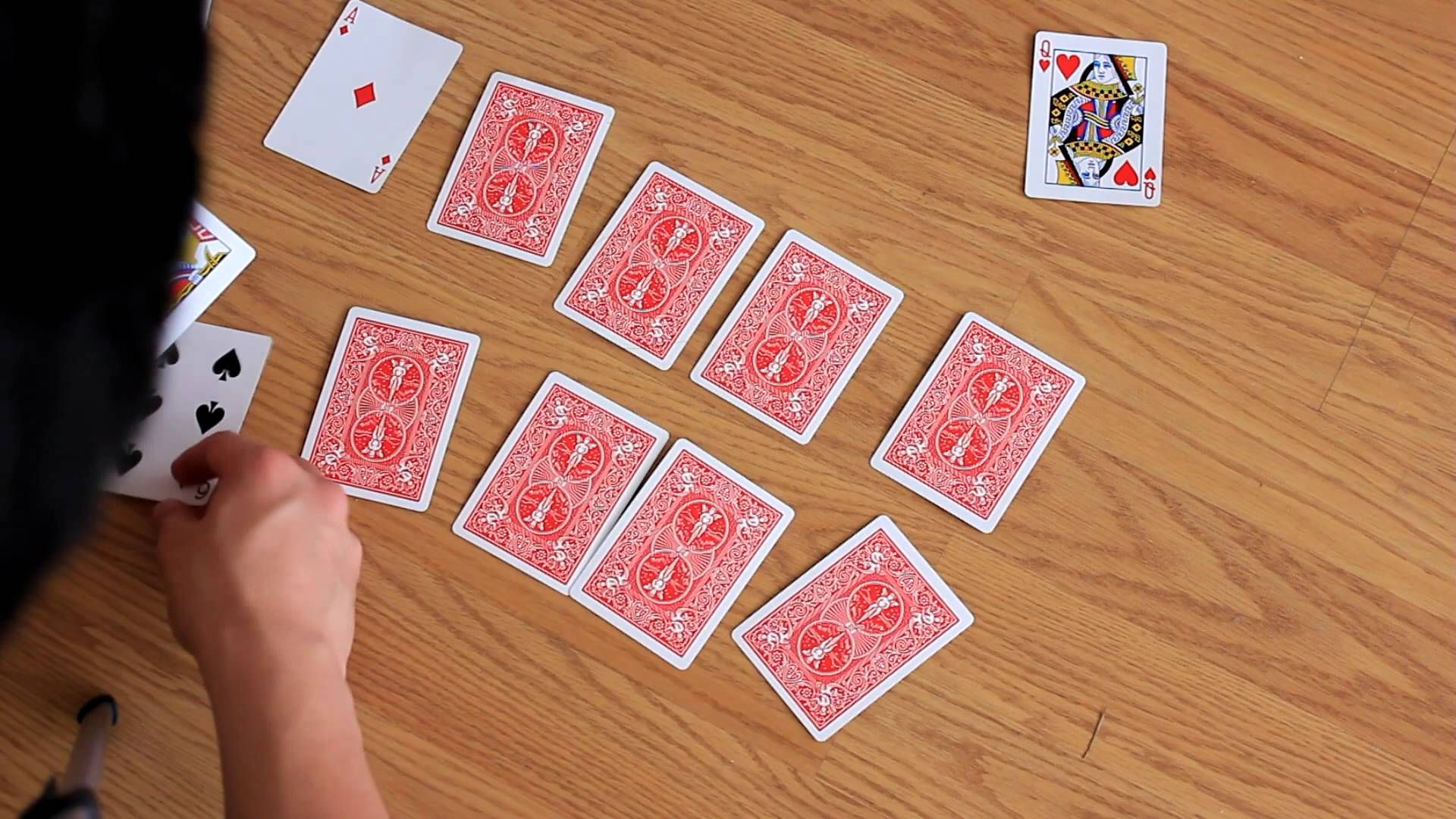 Bored Games How To Play Garbage Solo Fun Card Games Card Games Card Games For Kids